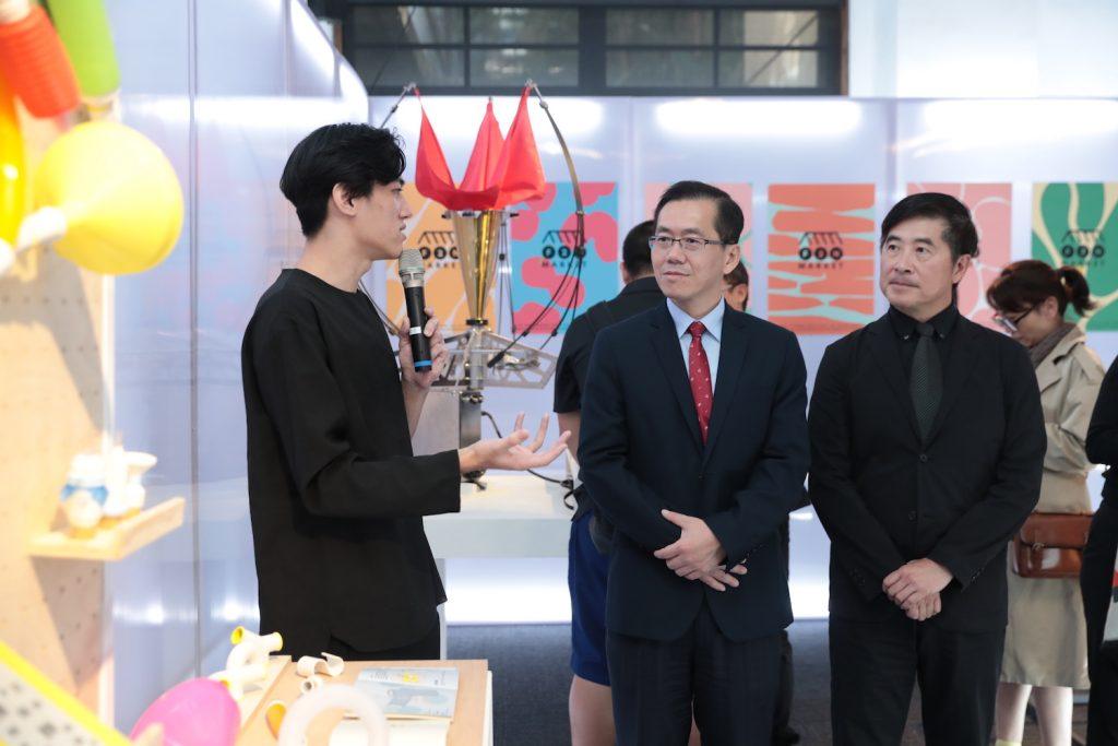 Golden Pin Design Award 2019 Winners Exhibition_11_Chih-Ching Yang (Deputy Director General of Industrial Development Bureau, MOEA)_Chi-Yi Chang (Chairman of Taiwan Design Center)